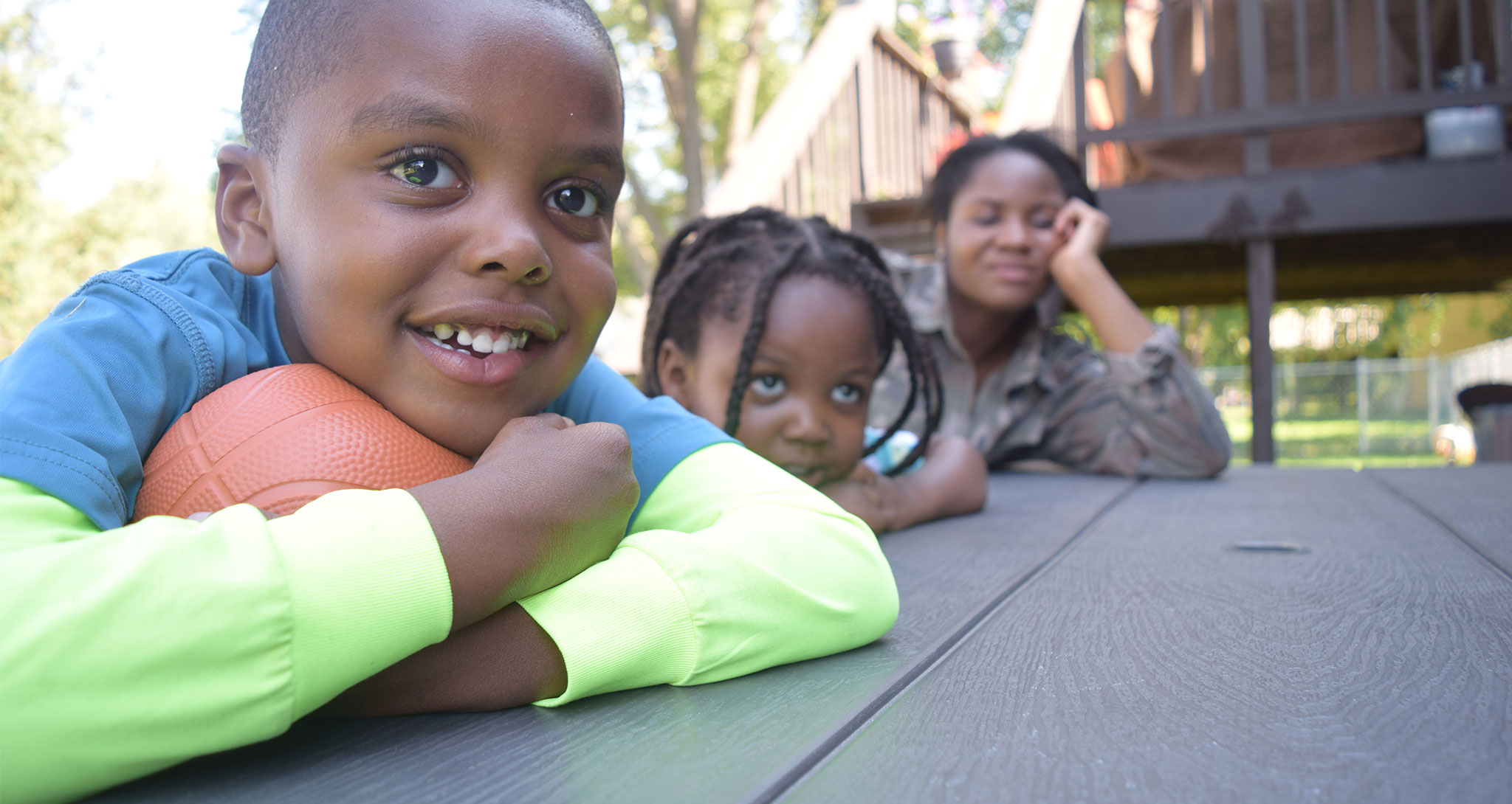 korpo and kids at a picnic table